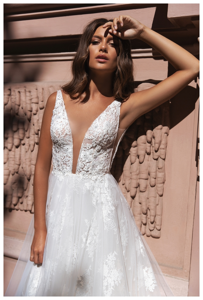 Marietta koronkowa suknia ślubna w lekkim wydaniu i w mega dizajnie